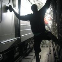 kgm_metroholism_graffiti_russia_3