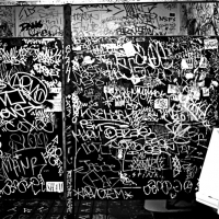 jaime-sanchez_photography_spraydaily_restroom